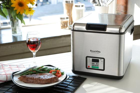 sous-vide-cooking-technique-560x373-2
