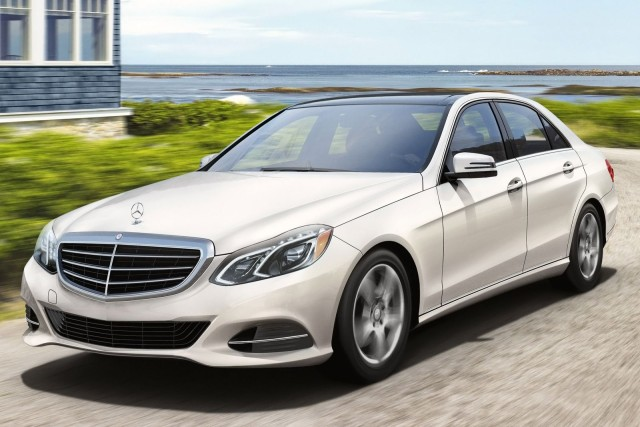 2015_Mercedes-Benz_E-Class_E250_Luxury_BlueTEC_4dr_Sedan_21L_4cyl_Turbodiesel_7A_3929291