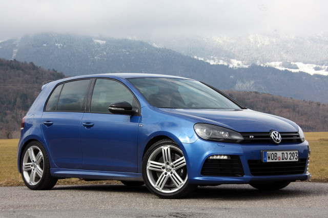 01-2012-volkswagen-golf-r