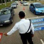 買い物帰りの男性が「警官に捕まり罰金」というデマ