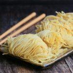 中華の「たまご麺(蛋麺)」の茹で方を今まで知らなかった~~。ワンタンの茹で方も同じく。